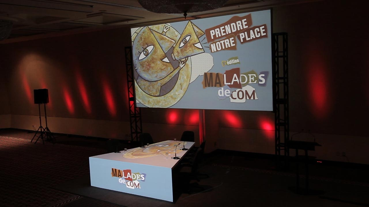 Conférence_malades_de_com-100_personnes_01_720